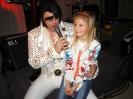 Elvis zpívá fanynce